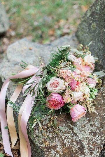 granite links wedding photography bouquet