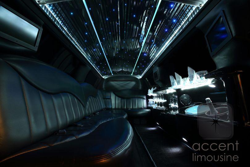 lincoln white limousine int