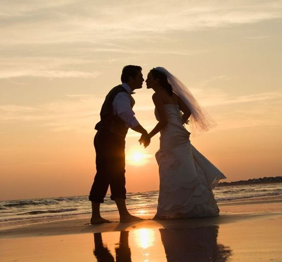 beach wedding coupl