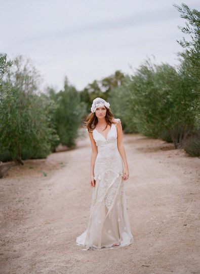 TOULOUSE Ivory embroidery lined in platinum silk with sweetheart neckline and silk bows and...