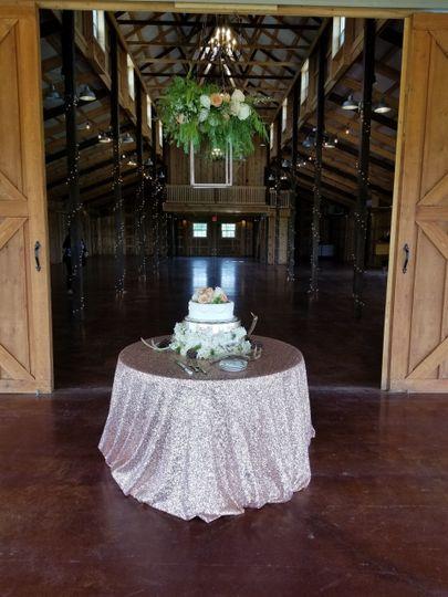 Wedding cake at The Big White Barn in Decatir Texas
