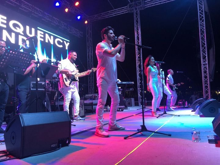Frequency Band LIVE