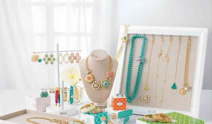 Tara K, Independent Stylist for Stella and Dot