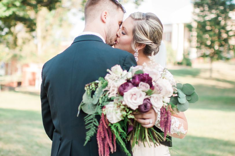Southern Knot Weddings & Floral Design