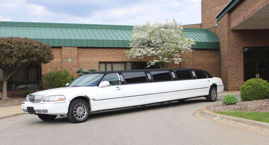 14 passenger stretch limousine