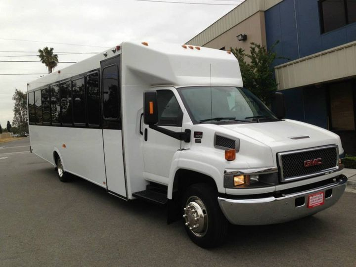 Tmx 26 Limo Bus Exterior 51 130780 1568660451 Grand Rapids, MI wedding transportation