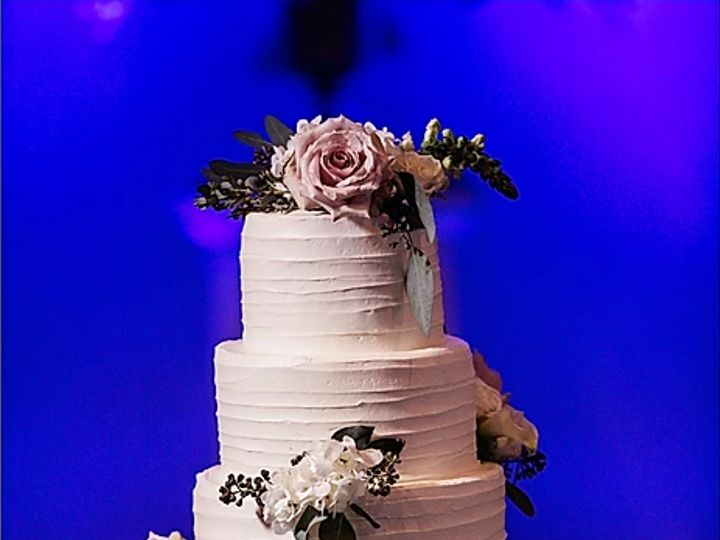 Tmx Echard Wheeler Photog 51 540780 157895091174452 Virginia Beach wedding cake
