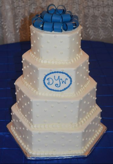 800x800 1421094986480 hexagon wedding cake