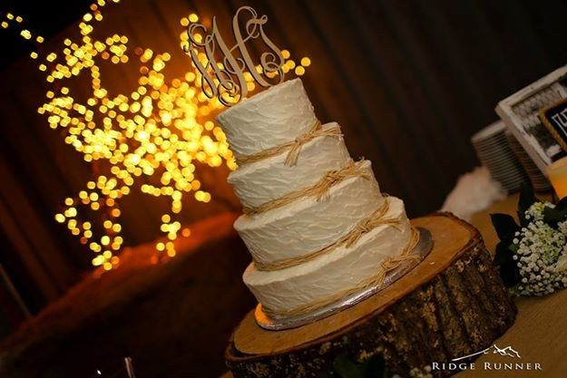 800x800 1421096469270 wedding cake holly