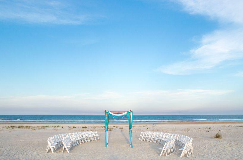 A beach wedding to treasure