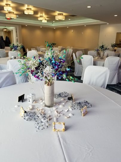 White tables setting