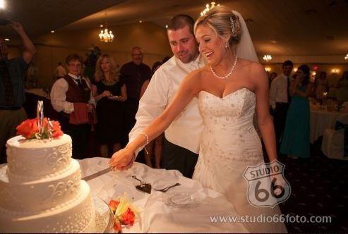 20d6bf6724c0af49 1443798604582 cutting cake