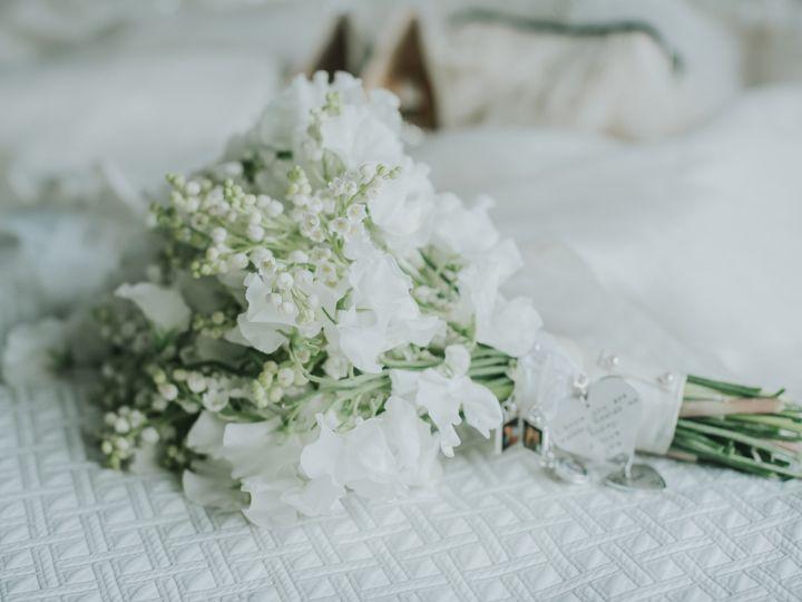 Tmx Acgettingready94 51 114780 Bristol, Connecticut wedding florist