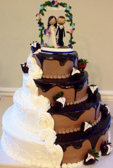 800x800 1405477104253 weddingcake7