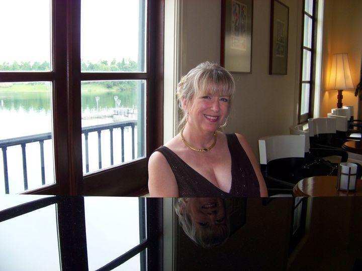 Pianist Victoria Lynn Schultz performing at Universal's Portofino Hotel and Convention Center