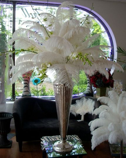 Feather like table centerpiece