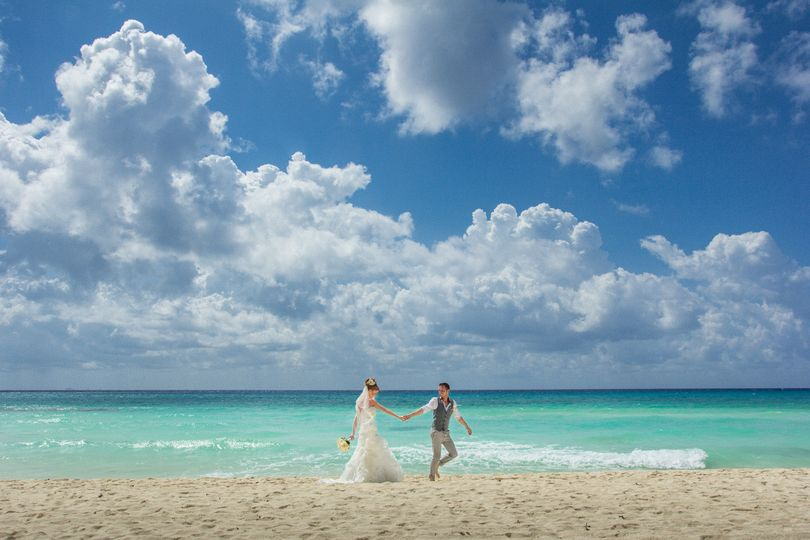 Trash the dress photo session on a secluded exotic beach in the Mexican Riviera Maya
