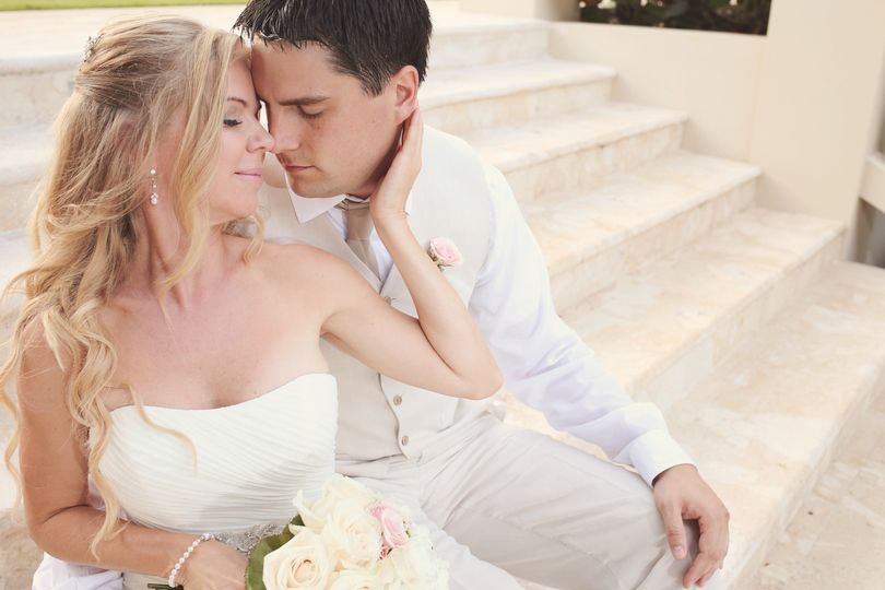 villa dezecheo beach wedding