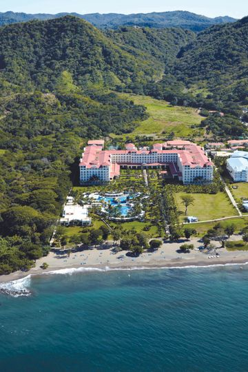 RIU all inclusive resorts in Guanacaste, Costa Rica! So much to do in this beautiful city!