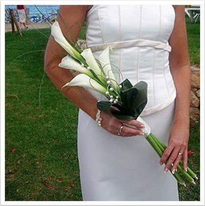 lilies arm bouquet