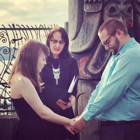 Seattle pike place market elopement wedding