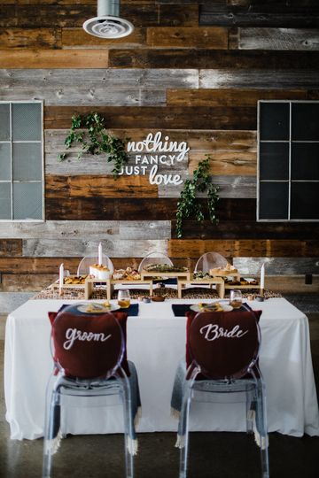 Newlyweds' table and decor