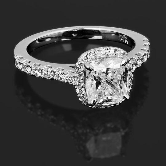 Square-cut diamond ring