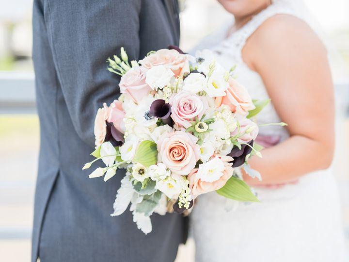 Tmx 1511905233926 Receptionsneakpeekslideshow23 1 Columbus, Ohio wedding florist