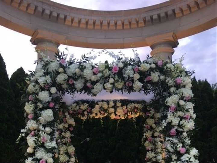 Tmx 1528828607 8c6dd2752ee6bef8 1528828606 Ffaf5fbe9ce7810b 1528828606681 4 IMG 1988 New City wedding florist
