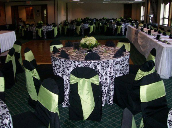 Bautiful linens and chair covers this evening!