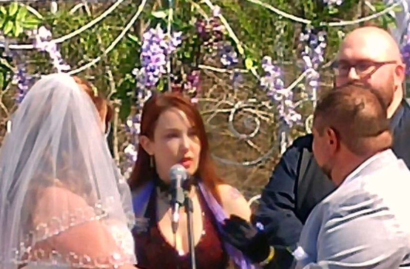 Performing a hand fasting