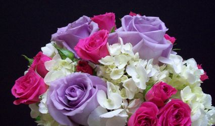 Com-Patt-ibles Flowers and Gifts 1