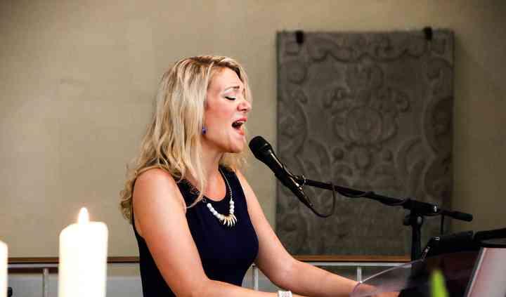 Wedding Singer Houston - Judith