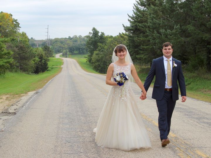 Tmx 1517533492 Db9945dc775c9ebc 1517533489 Dbe5059cd16346eb 1517533426394 25 Erin Thiessen And Deerfield, WI wedding officiant