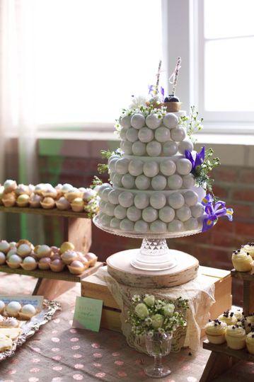 dd67de583246236c white pearl cake pop wedding tiers