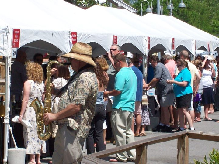 "SaxyGuy Randy Sherwood entertaining over 1,000 ""tasters"" at the SanDestin Wine Festival!"
