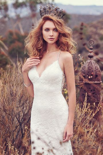 Sinclaire		Featuring vintage-inspired allover lace atop Viva Jersey, this stunning sheath evokes...