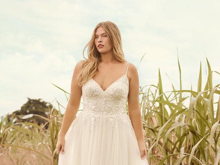 Tmx Rebecca Ingram Holly 21rk389 Alt1 Sbls 51 95390 160831136294558  wedding dress