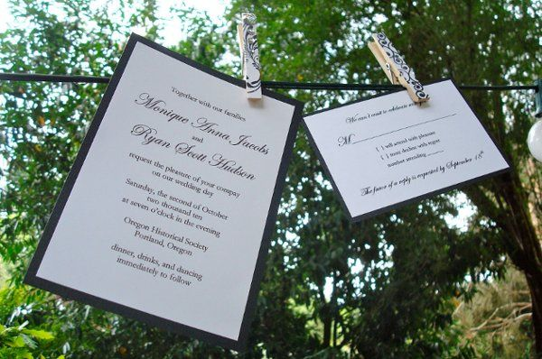 Send professional invitations at an affordable price with our DIY kits!
