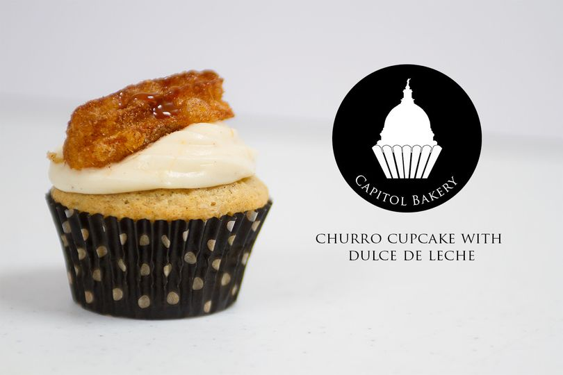 churro cupcake with dulce de lech