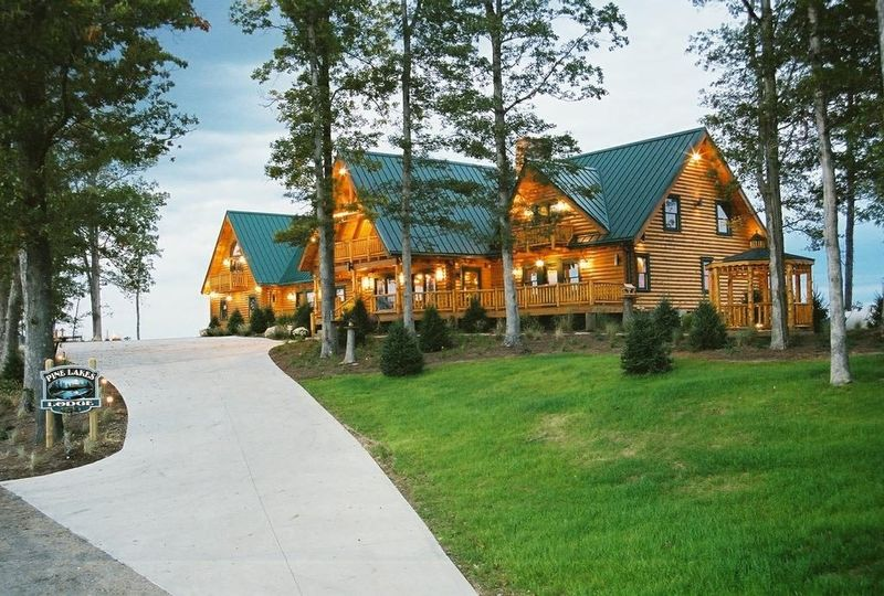 Exterior view of  Pine Lakes Lodge