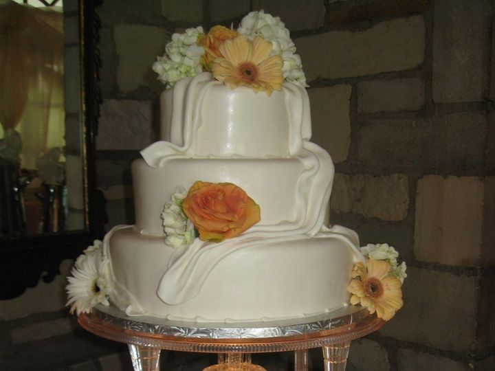 Tmx 1339610482115 IMG0703 Buffalo wedding cake