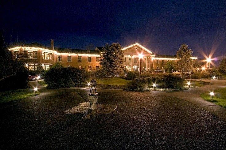 McMenamins Grand Lodge at night.