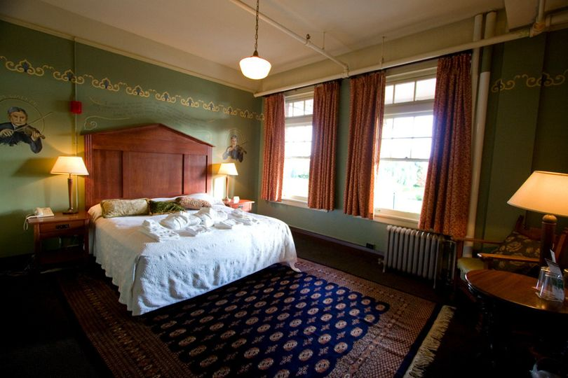 The King Suite at McMenamins Grand Lodge