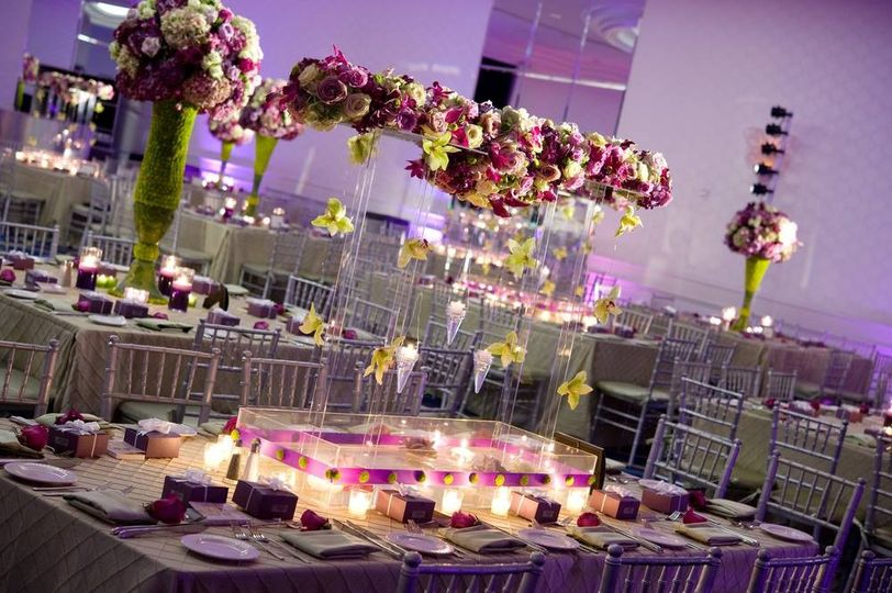 Royal table elevated center piece
