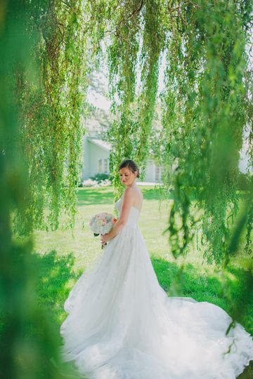 Bridal portrait at the forest
