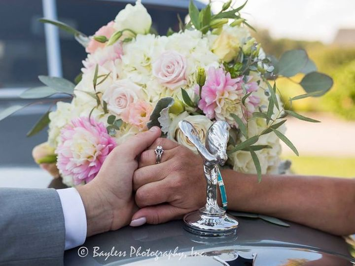 Tmx 1523052552 4d28b701a7f71476 1523052551 Da1dd0d49e7251da 1523052550777 5 2018 04 06 1808 Warwick, RI wedding transportation