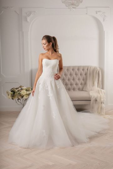 Custom wedding gowns by onovian dress attire san for Wedding dresses san francisco