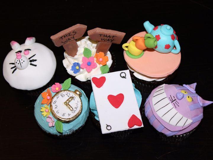 Tmx Alice In Wonderland Cupcakes 51 21790 1570226164 Columbia, Maryland wedding cake