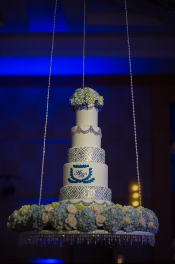 harnoor and ankur wedding cake7